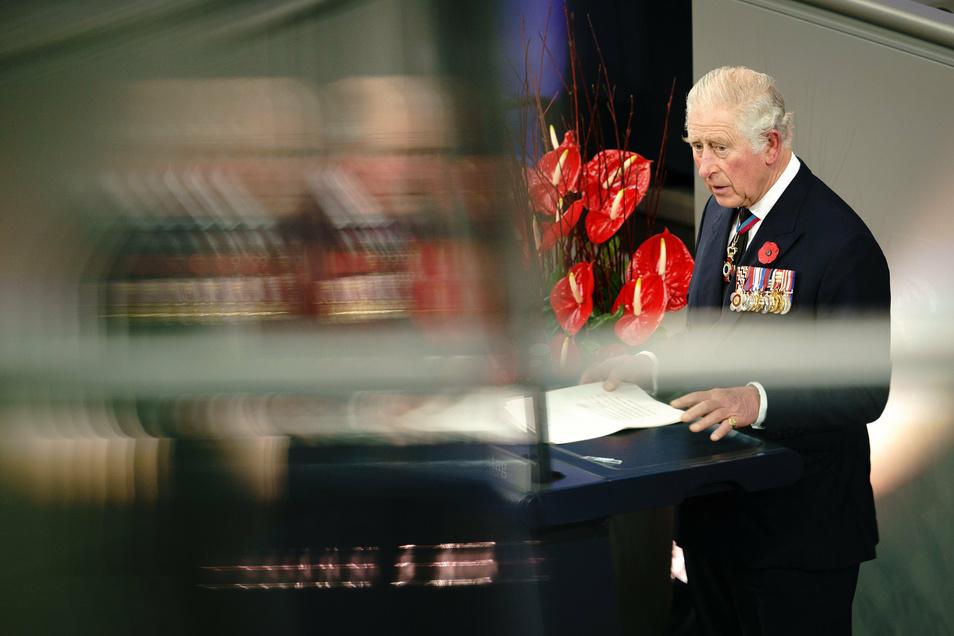 Prinz Charles hält im Bundestag eine Gedenkrede zum Volkstrauertag.