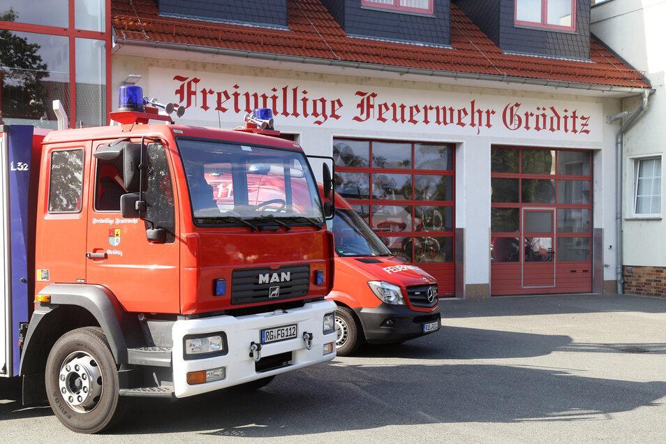 Blick auf das Gerätehaus der Gröditzer Feuerwehr an der Marktstraße.