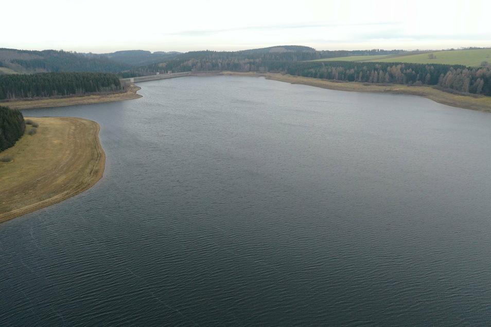 Die Talsperre Lehnmühle hat inzwischen wieder einen fast normalen Wasserstand.