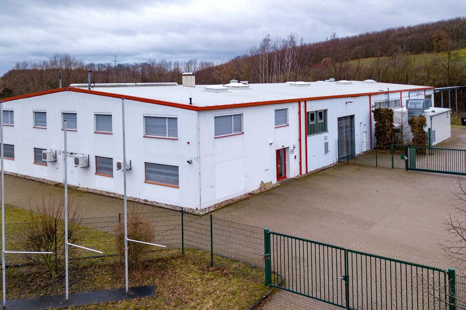 In das Gebäude im Mockritzer Gewerbegebiet von ehemals Takata, später Joyson, will KVB Konstruktion und Verbundbauweisen einziehen.