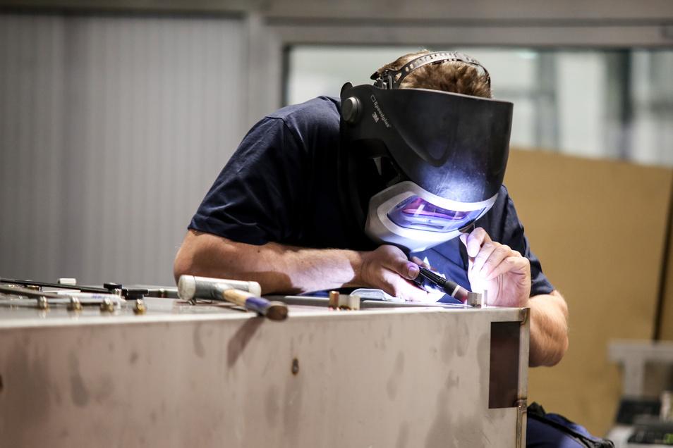 Ruhiges Händchen und clevere Köpfchen - das suchen die meisten Unternehmen der Görlitzer Spätschicht.
