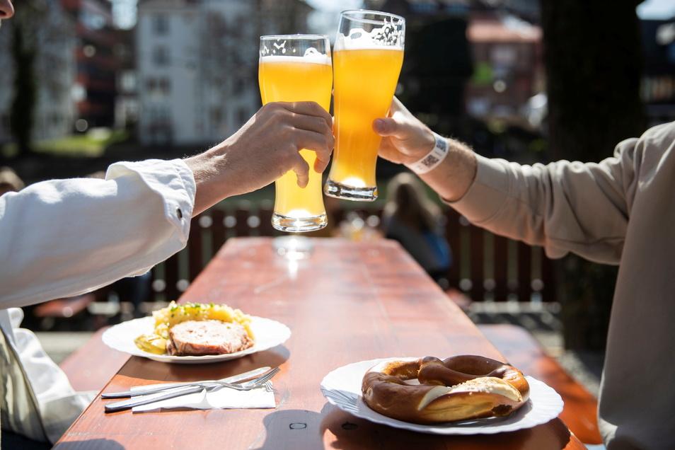Auf der Männertagswanderung Rast machen bei einem frisch gezapften Bier: Geht das auch in diesem Jahr? Sächsische.de hat sich im Landkreis Bautzen umgehört.