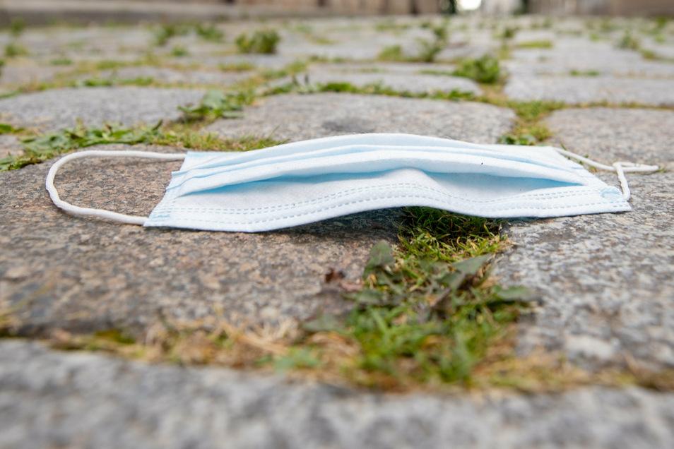 Obwohl die Infektionszahlen in Böhmen bedrohlich steigen, lässt die Bereitschaft zu Hygienemaßnahmen nach.