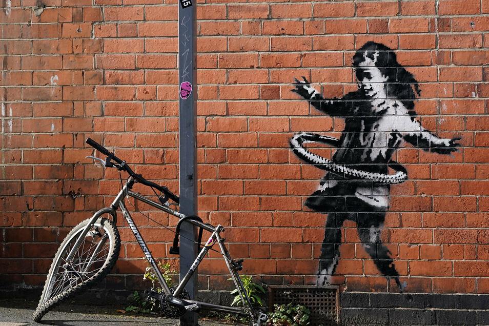 Das neueste Street-Art-Werk Banksys ist auf einer Backsteinfassade in der Rothesay Avenue in Nottingham zu sehen.