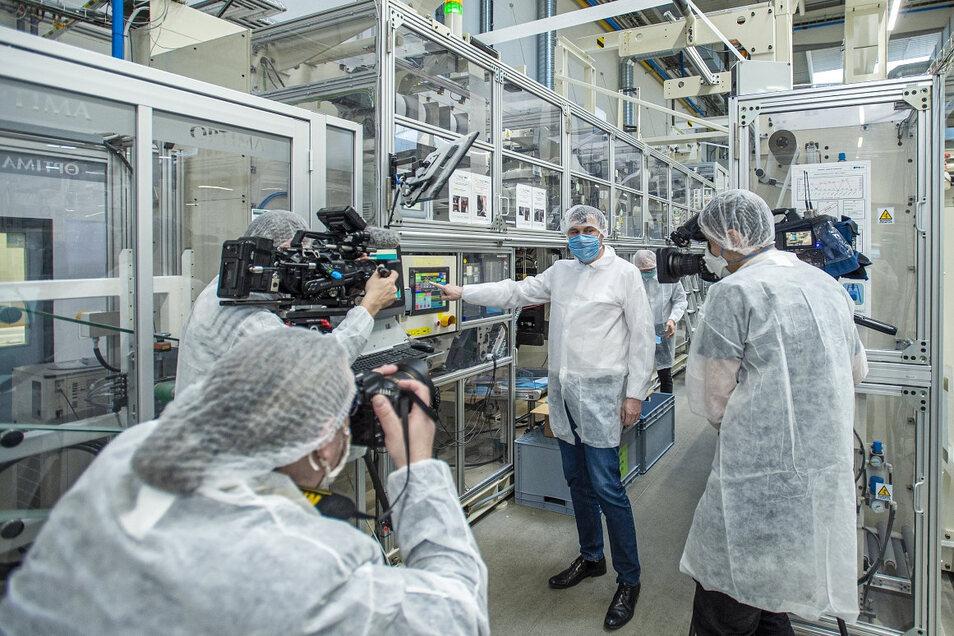 Drylock Technologies hat eine Maschine so umfunktioniert, dass sie nun Nanofilter statt Windeln herstellt.