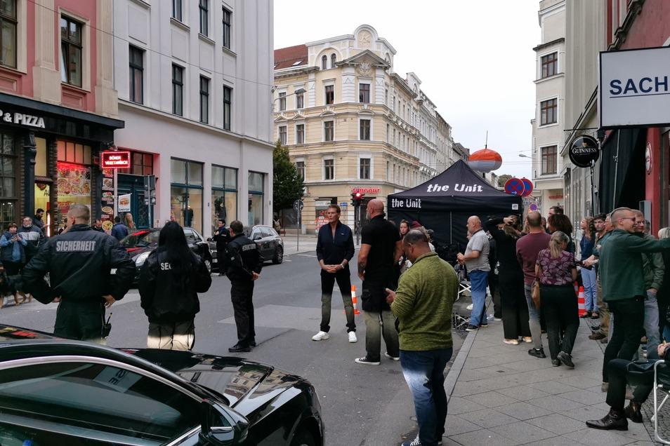Nach dem First Club ging es auf die Hospitalstraße. Mit Henry Hübchen drehte David Hasselhoff hier im Kings Pub.