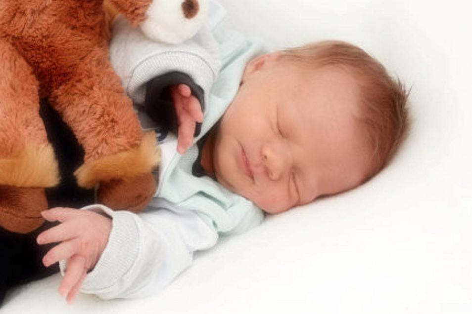 Johann Geboren am 22. Januar Geburtsort Zittau Gewicht 3.402 Gramm Größe 55 Zentimeter Eltern Christina und Andreas Richter Wohnort Obercunnersdorf