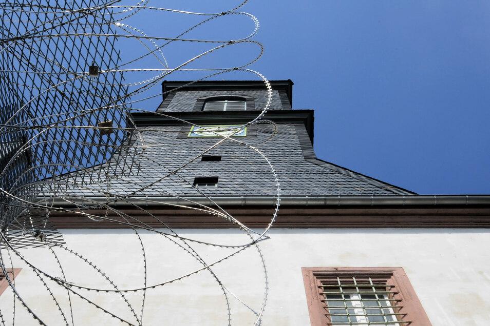 In der JVA Waldheim attackierte ein Gefangener einen Vollzugsbediensteten.