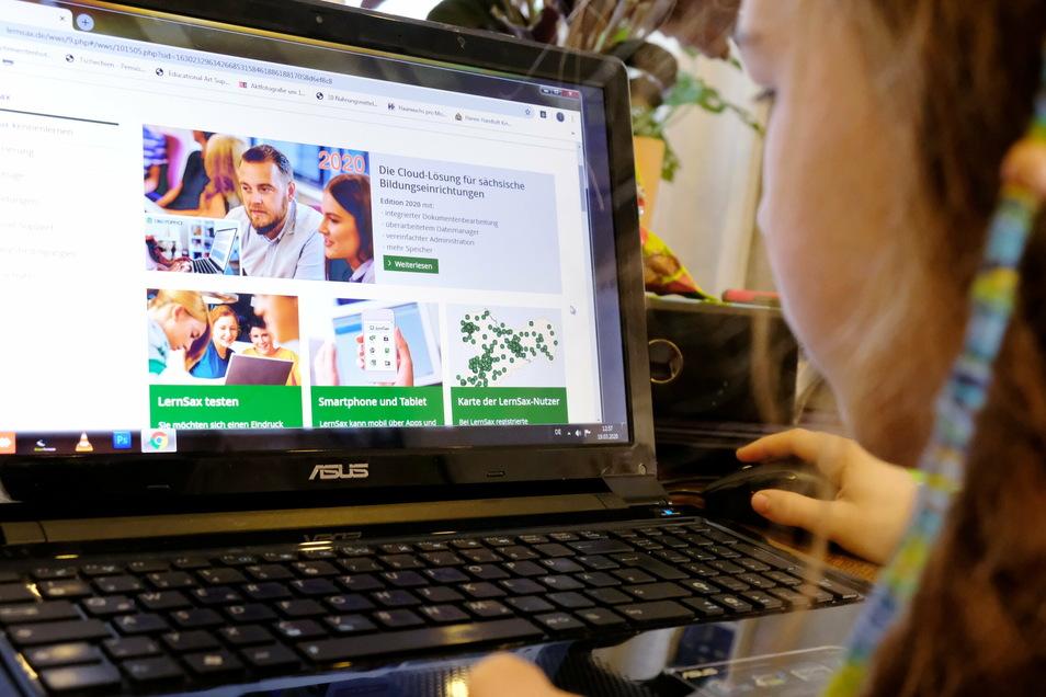 Mit LernSax werden Sachsens Schüler zu Hause unterrichtet. Seit dem 14. Dezember sind die Schulen geschlossen.