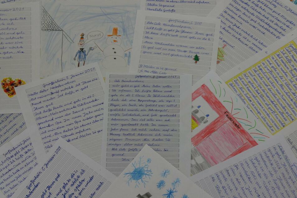 Freudvoll: Die Mädchen und Jungen einer zweiten Klasse der ersten Grundschule Großenhain schrieben herzerwärmende Texte an die Bewohner des Seniorenzentrums.