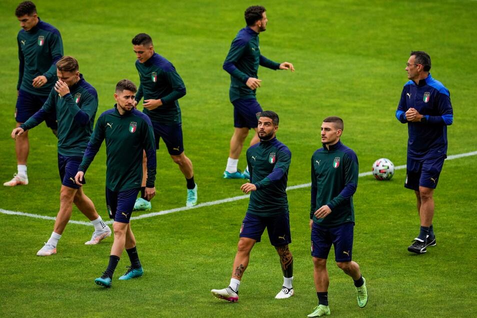 Die Spieler der italienischen Mannschaft beim Training vor dem Halbfinalspiel gegen Spanien.