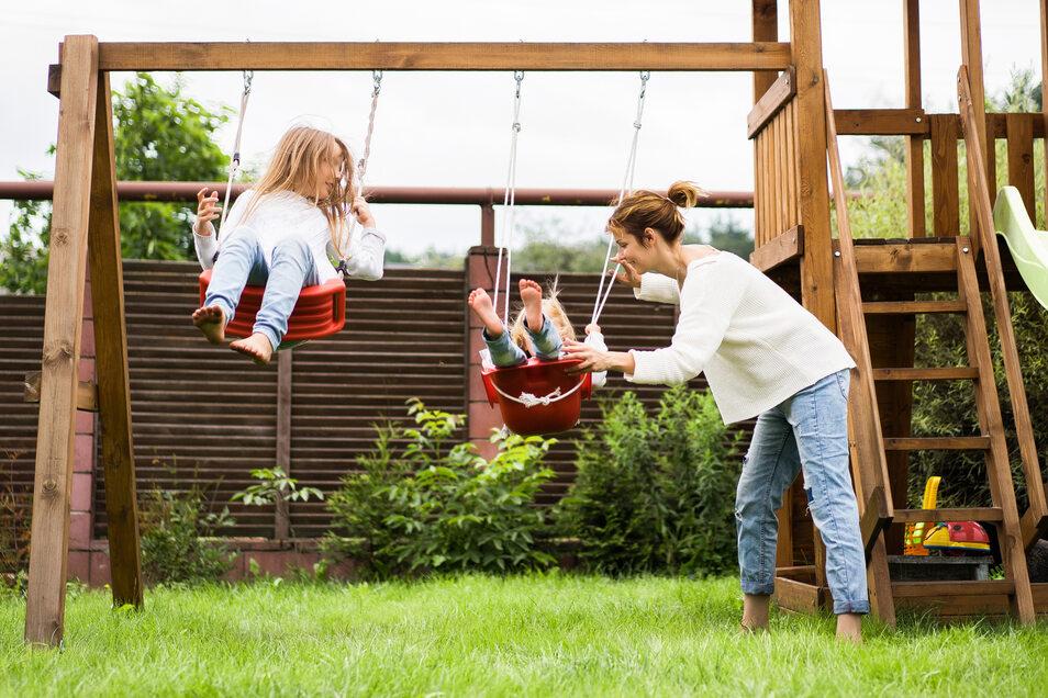 Ein Garten für die Kids? Dann ist vor allem ein robuster Rasen wichtig.