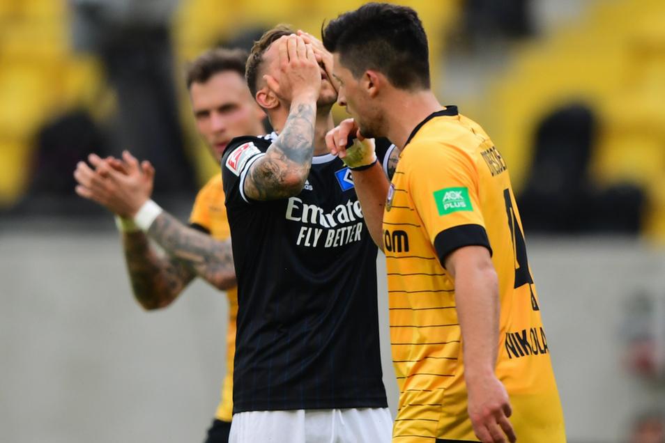 Hamburg hadert, und Dynamo macht sich Mut. Damit ist die erste Halbzeit ganz gut beschrieben.