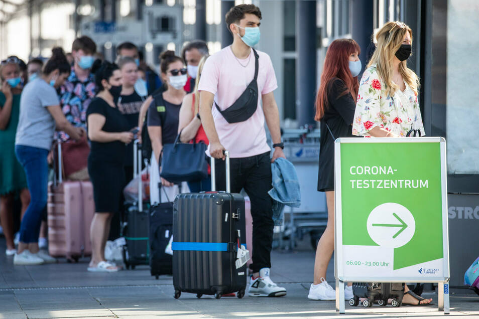 Unter den Corona-Infizierten nimmt die Zahl der Reiserückkehrer zu.