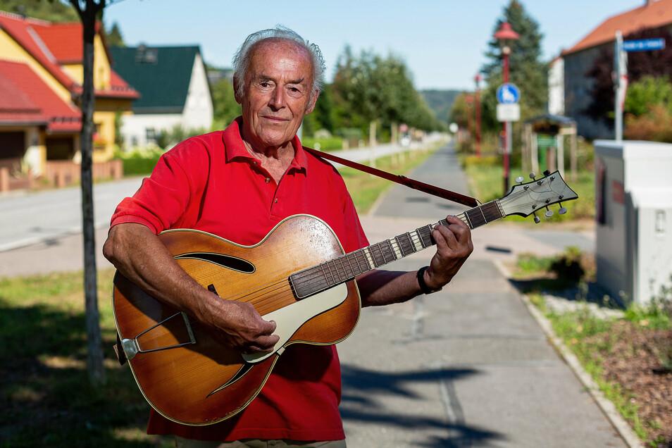 Hanskarl König wollte Ende September im Bierzelt seines Heimatortes Schlottwitz auftreten. Doch daraus wird nichts.