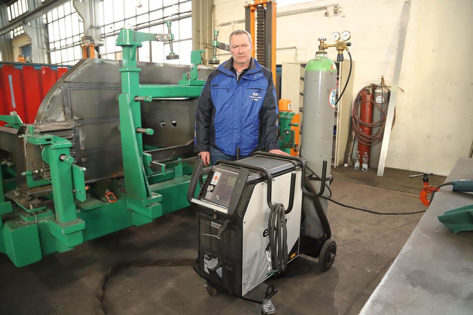 Beim KSC Kraftwerkstechnik und Anlagenbau in Hagenwerder wurden bei einem Einbruch zwei  Schweißmaschinen ähnlich wie dieses gestohlen. Stützpunktleiter Torsten Nicht ist darüber natürlich nicht amüsiert.