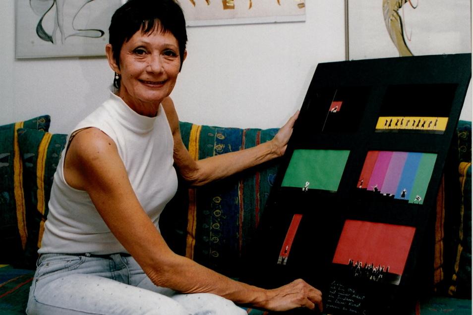 """Den Bühnenentwurf für den """"Bolero"""" bewahrt Emöke Pöstenyi auch heute noch auf. Die 78-Jährige malt und zeichnet inzwischen selbst sehr viel."""
