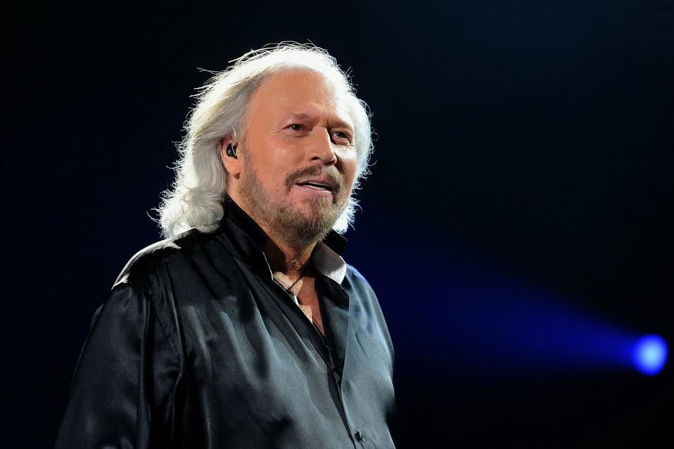 Barry Gibb versammelte Country-Legenden wie Dolly Parton und Olivia Newton-John, um mit ihnen einige der großen Bee-Gee-Hits noch einmal einzuspielen.