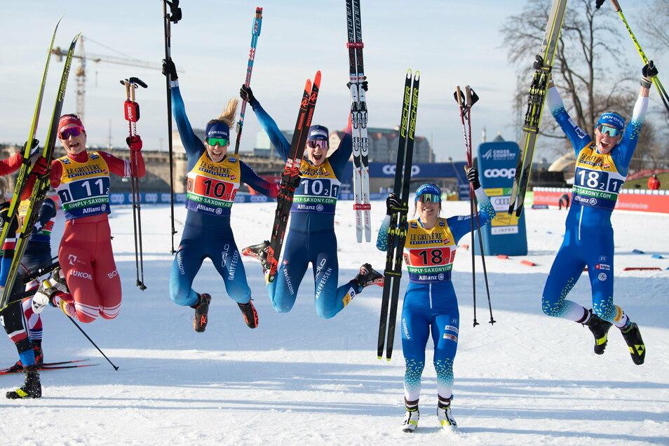 Auch beim Sprung fürs Siegerfoto die Besten: Laurien van der Graaf (Nummer 10-1) und Nadine Fähndrich (Nummer 10-2) aus der Schweiz.