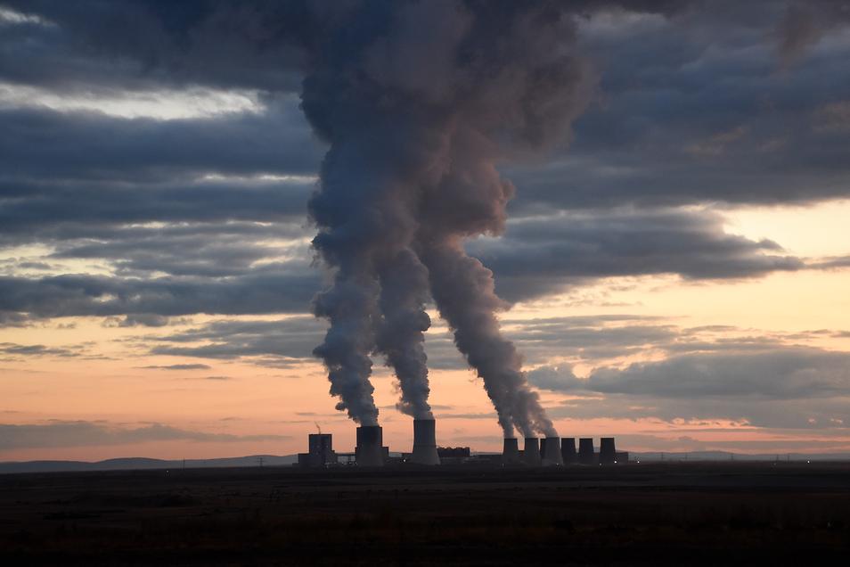 Die ersten beiden Blöcke des sächsischen Kohlekraftwerks Boxberg sollen Ende 2029 vom Netz gehen.