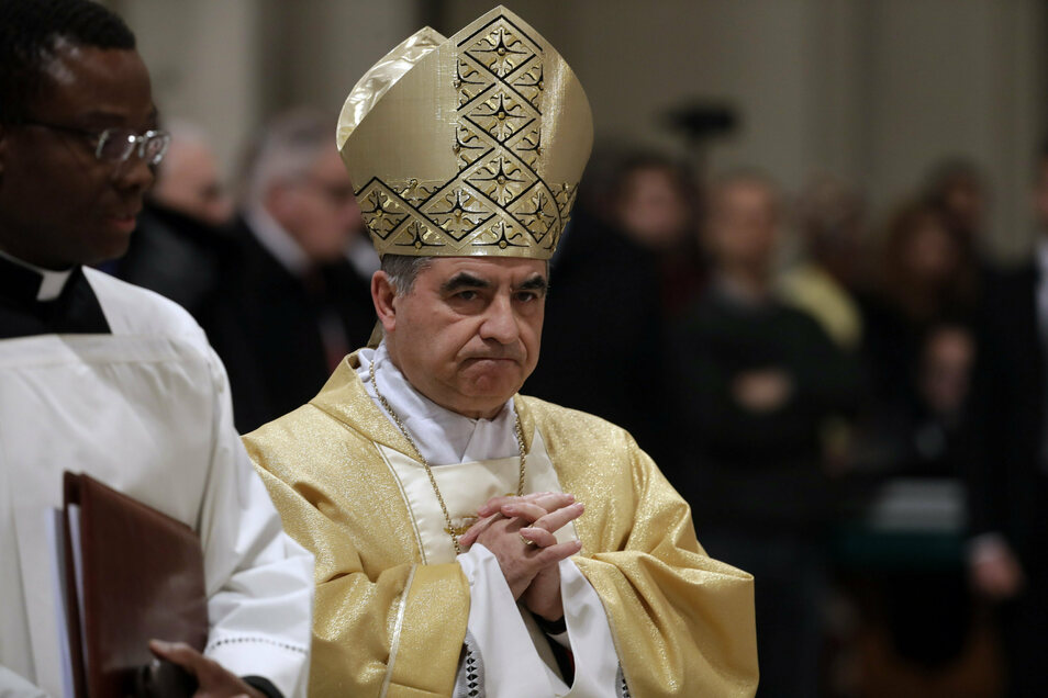 Kardinal Angelo Becciu ist von seinem Amt als Präfekt der vatikanischen Kongregation für Heilig- und Seligsprechungen zurückgetreten.