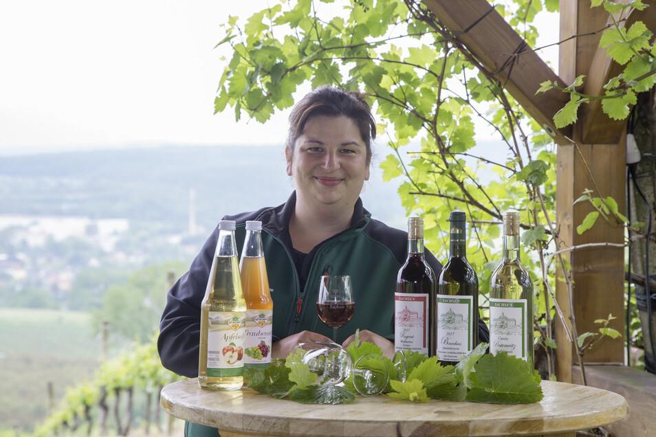 Stefanie Folde-Jäpel vom Gut Pesterwitz freut sich auf viele Besucher am Wochenende. Dann ist der Pesterwitzer Weinberg geöffnet.