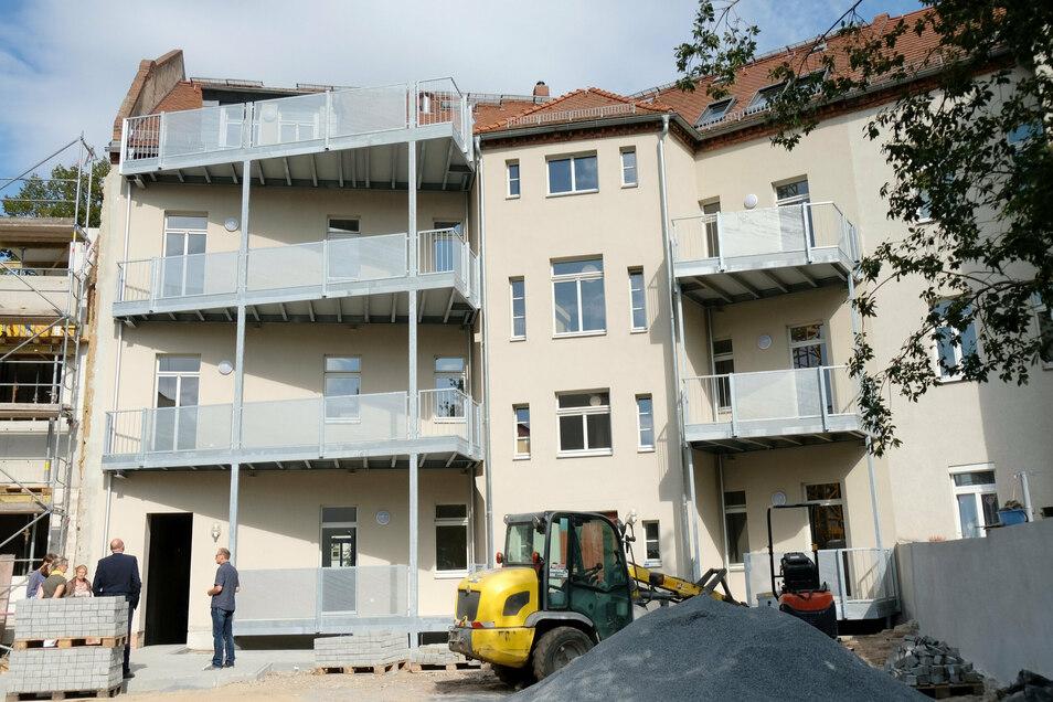 Der Blick vom Innenhof auf das neue Seeg Haus auf dem Robert Koch Platz.