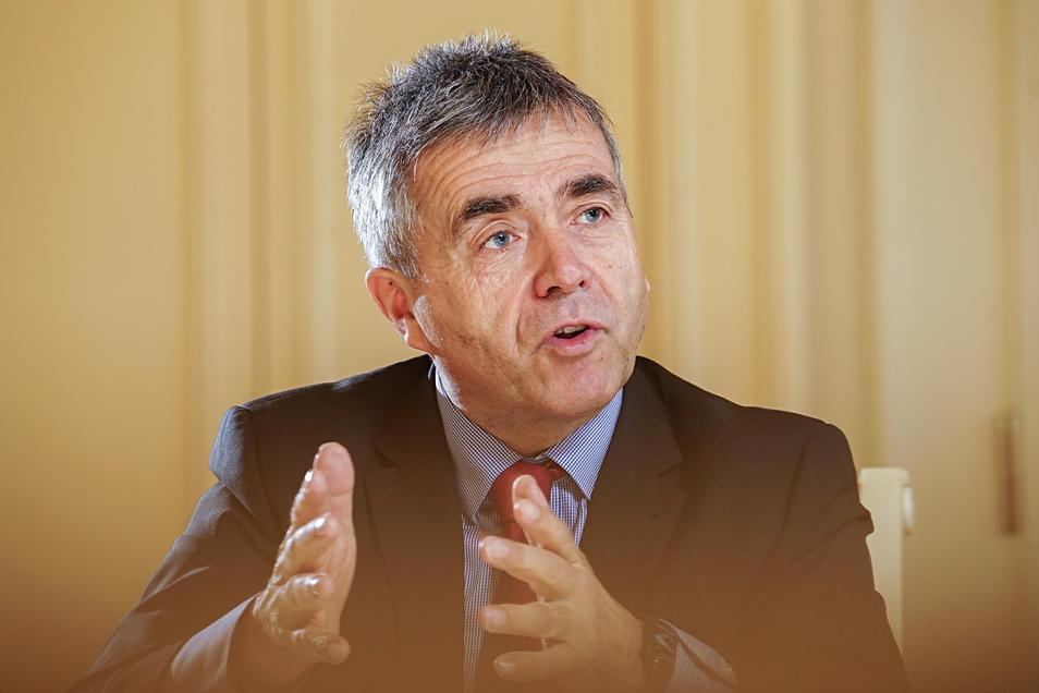 Michael Harig, Bautzens Landrat und  CDU-Kreisvorsitzender, spricht davon, die politische Verantwortung übernehmen zu wollen - für das desaströse Wahlergebnis der CDU im Kreis Bautzen.