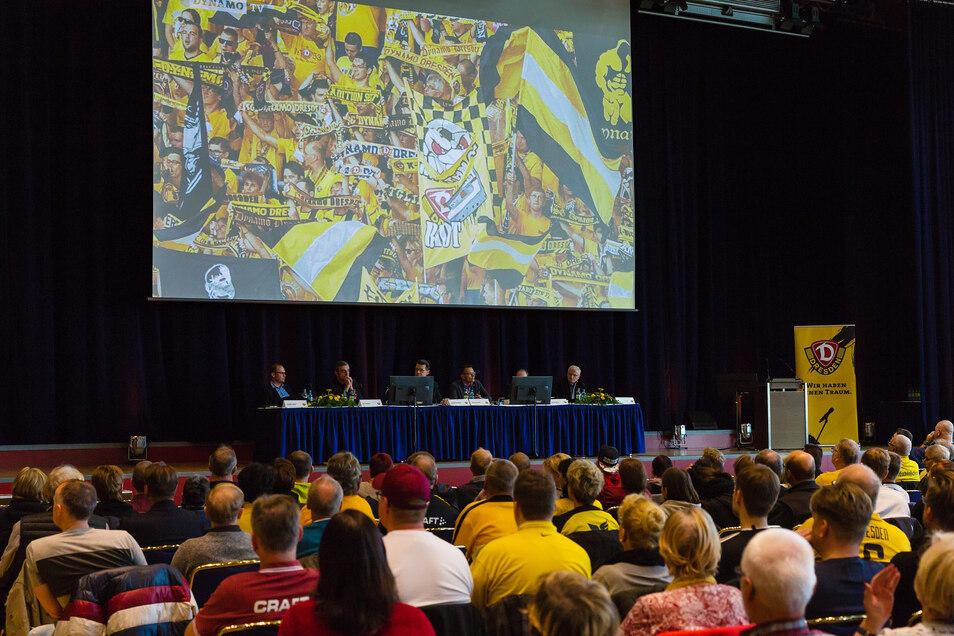 Im vorigen Jahr wählte Dynamo bei der Hauptversammlung einen neuen Aufsichtsrat. Im Kongresszentrum stimmten knapp 1.000 Mitglieder ab.