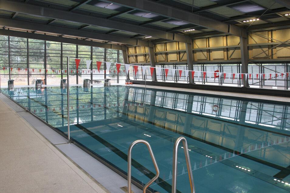 Sportschwimmhalle in Pirna: Vereine haben einen großen Bedarf an den Schwimmbahnen.