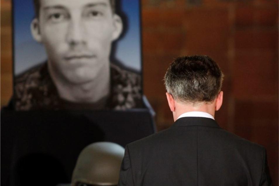 Namensgeber ist Tobias Lagenstein, ein früher in Hannover stationierter Feldjäger, der 2011 bei einem Anschlag in Afghanistan ums Leben gekommen war.