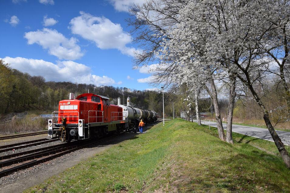 Der Chemiezug verkehrt zwischen Dohna und Heidenau.