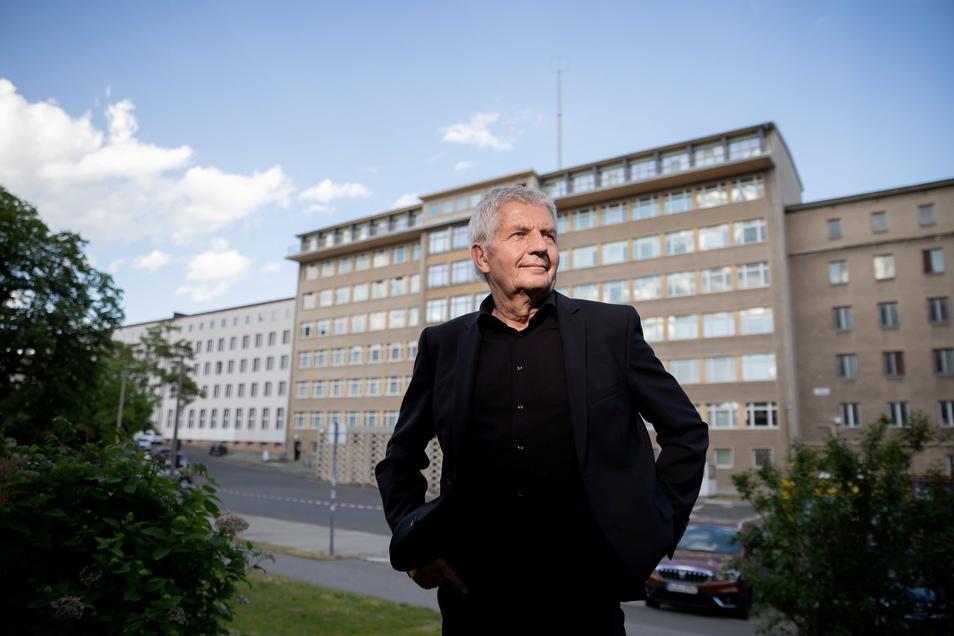 Roland Jahn, scheidender Leiter der Stasiunterlagenbehörde, steht auf dem Gelände der ehemaligen Stasi-Zentrale in Berlin-Lichtenberg.