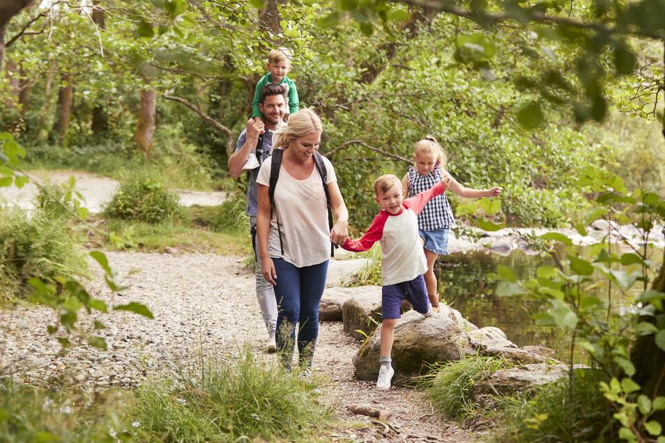 Auch ein Urlaub in Deutschland bietet tolle Möglichkeiten zum Erholen und Erleben für die gesamte Familie.