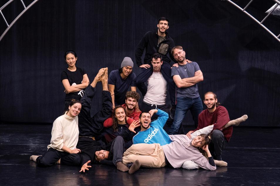 Die Tanzcompany des Theaters hat sieben neue Mitglieder. Insgesamt kommen die Tänzer und Choreografen aus acht Ländern.