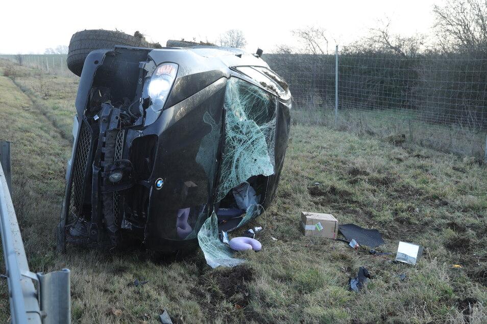 Auf der A4 in Dresden hat sich ein Auto überschlagen. Zwei Menschen wurden bei dem Unfall verletzt.