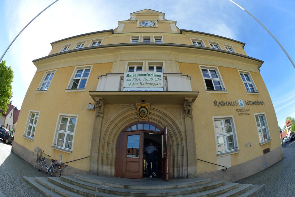Das Rathaus von Weinböhla soll kommenden Montag wieder für den Publikumsverkehr öffnen. Die Bürger müssen Verhaltensregeln befolgen und sich an Schutzmaßnahmen halten.