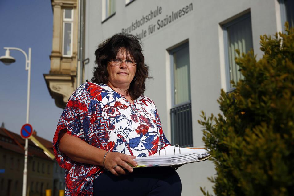 Madlen Bär hat die Leitung der privaten HEC Akademie in Kamenz im Herbst 2017 übernommen. Seitdem kämpft sie um die Zukunft der Schule.