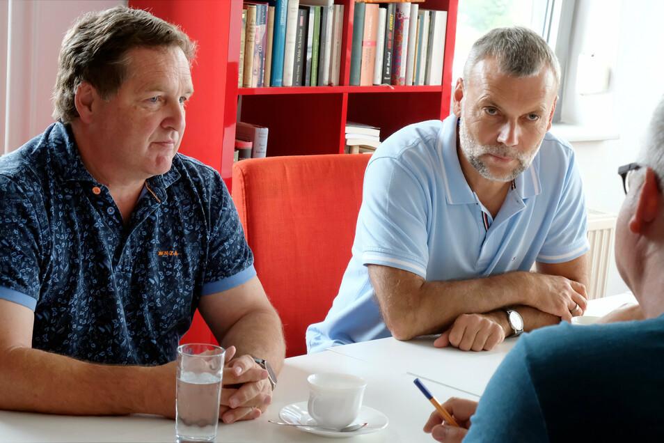 Der Meißner Allgemeinmediziner Jürgen Hampf (links) ist im vorigen Jahr zum ersten Mal in den Stadtrat gewählt worden. Heiko Schulze, der an einer Dresdner Oberschule als Lehrer arbeitet, gehörte bereits dem vorhergehenden Stadtrat an.