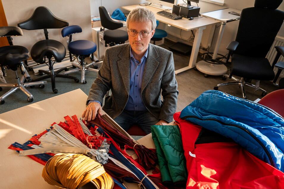 Henning Scheinpflug lebt und produziert nachhaltig und unterstützt das Recyceln von Wertstoffen.