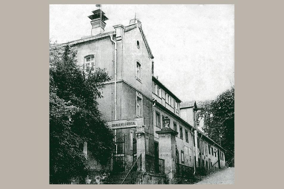 Pforte der Freitaler Brauerei. Der Betrieb lag auf dem Gelände des einstigen Döhlener Ritterguts. Seit 1842 wurde hier Bier hergestellt.