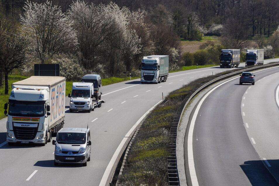 Auf der A 4 zwischen Dresden und Görlitz gibt es in nächster Zeit an mehren Stellen Verkehrseinschränkungen.