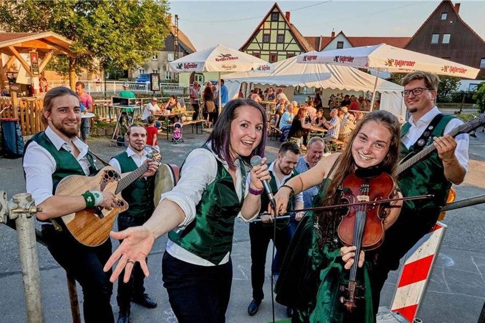 Die Band Shamrock Sheep spielte Irish Folk beim Ortsfest in Pirna-Mockethal.