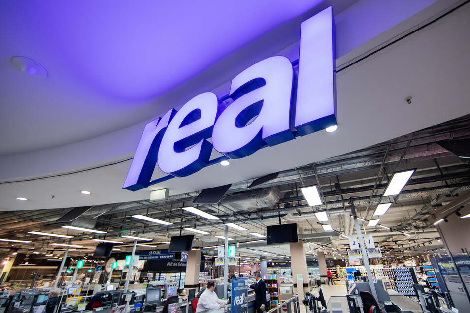 Der Handelskonzern Metro hat nach monatelangem Tauziehen endlich den Verkauf seiner angeschlagenen Supermarktkette Real unter Dach und Fach gebracht