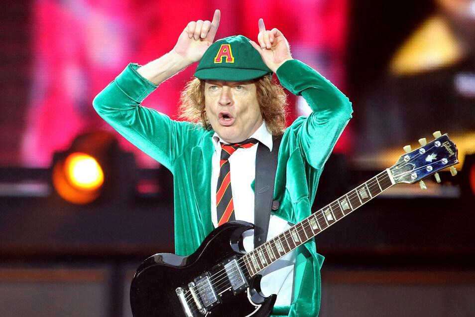 """""""Wenn ich mit AC/DC spiele, spüre ich immer noch den kleinen Jungen in mir"""": AC/DC-Leadgitarrist Angus Young"""