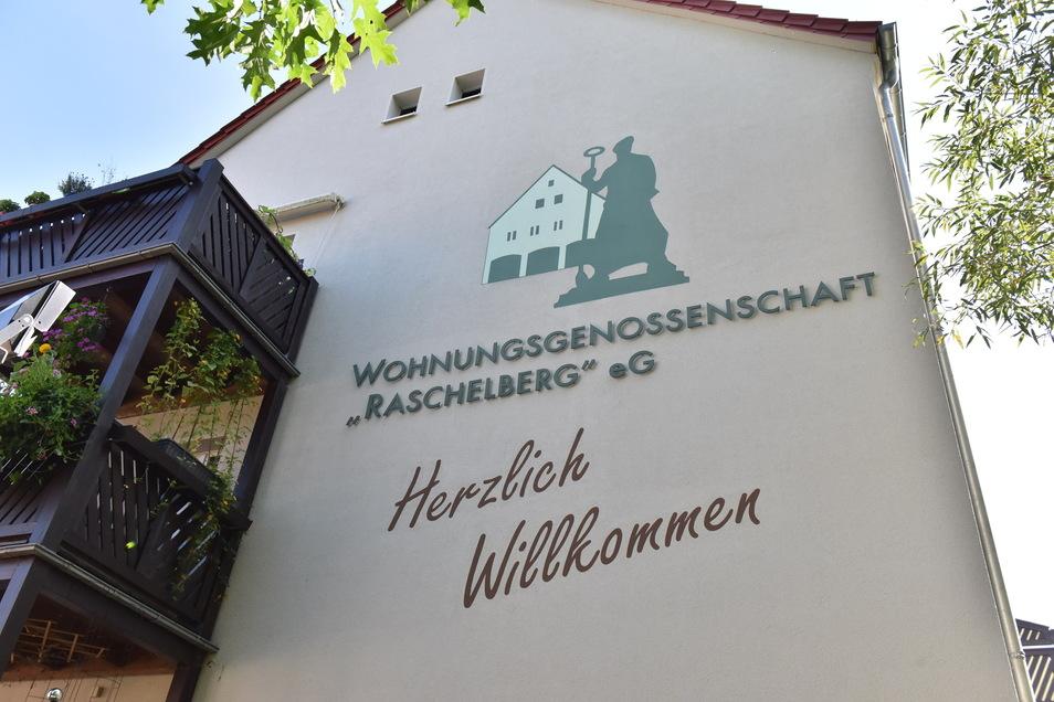 Herzlich willkommen fühlen sich manche Mitglieder der Wohnungsgenossenschaft Raschelberg nicht mehr.