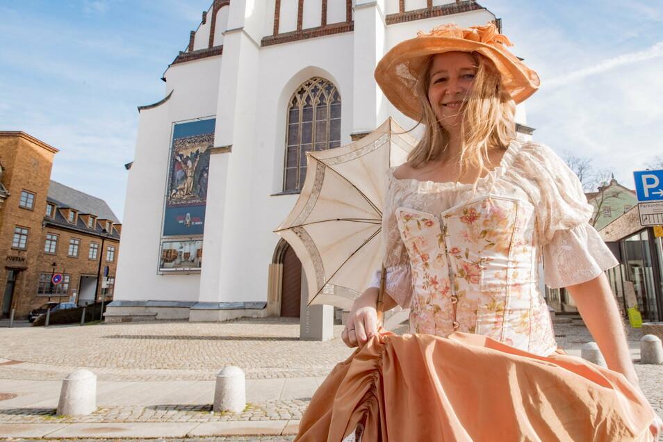 Als Comtesse führte Silke Rogalla Besucher durch Bautzen und auch durch Kamenz. Doch wegen Corona ist das schon seit einem Jahr nicht mehr möglich.