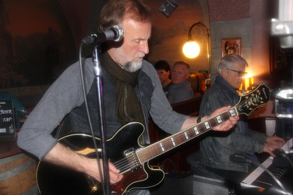 O'Conners: Feetz Band