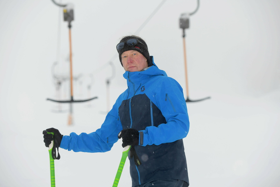 Zum Haare-Raufen: Frank Hirschmann würde normalerweise jetzt den Lauschelift bedienen. Doch der wird in diesem Winter nicht laufen.