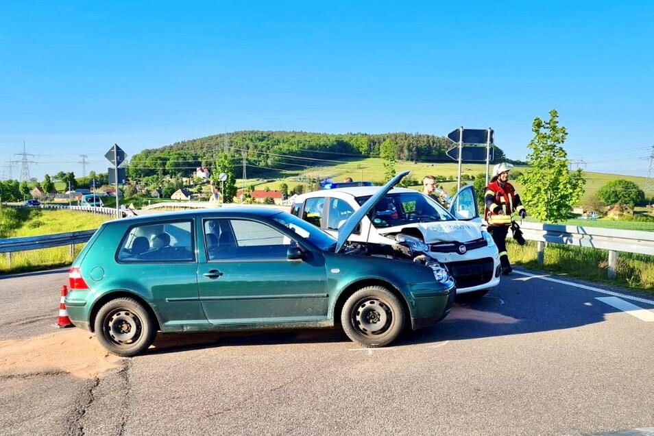 Bei dem Unfall in Wünschendorf wurde der VW-Fahrer verletzt.